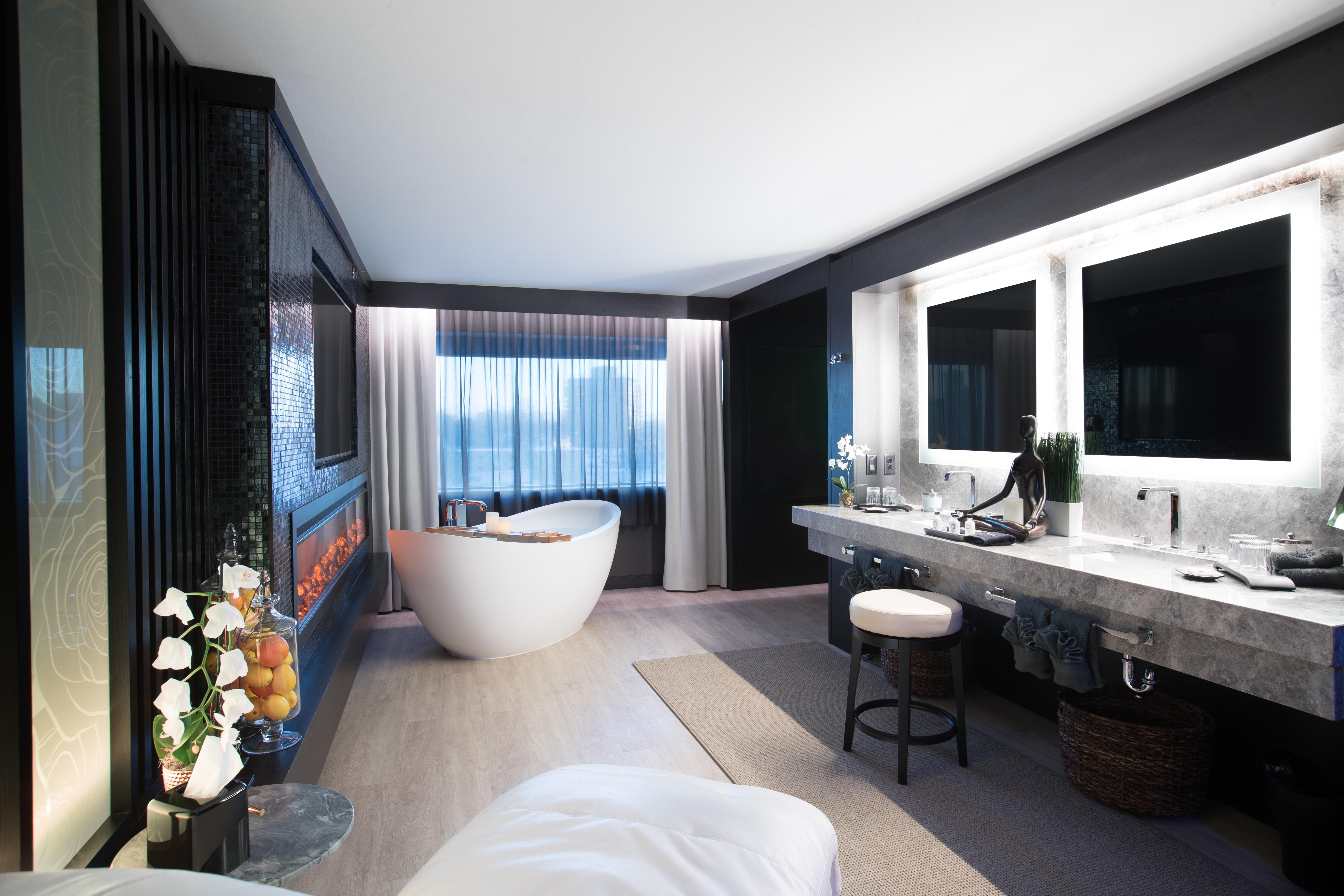The Spa Suite Sheraton Niagara Falls Niagara Falls Usa
